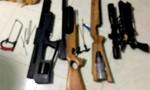 """Đột kích """"xưởng"""" chế tạo súng đạn ở Vĩnh Long"""