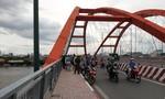 Người đàn ông bỏ xe máy, gieo mình xuống sông Sài Gòn khi khám bệnh