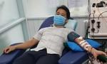 Bác sĩ trong khu cách ly hiến tiểu cầu cứu bệnh nhân nguy kịch