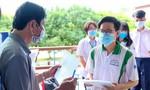 Sáng nay gần 867.000 thí sinh thi môn đầu tiên, sĩ tử ho sốt được ngồi phòng riêng