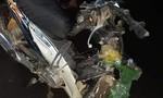 Hai xe máy vỡ nát sau cú tông trên đường Võ Nguyên Giáp