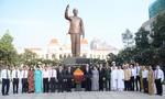 Đoàn đại biểu TPHCM tưởng niệm Chủ tịch Hồ Chí Minh và Chủ tịch Tôn Đức Thắng