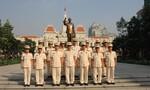 Dâng hương Chủ tịch Hồ Chí Minh và Chủ tịch Tôn Đức Thắng