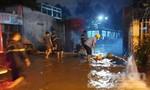 Cảnh sát PCCC hút nước chống ngập tại trạm điện Gò Vấp