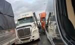Hệ thống mạng cảng Cát Lái bị sự cố, xe container kẹt cứng quanh khu vực