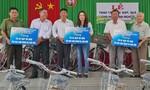 Tặng xe đạp cho học sinh nghèo thị xã Duyên Hải, Trà Vinh