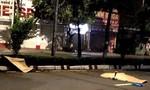 Xe máy tông dải phân cách, 2 nam thanh niên tử nạn