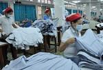 Mùa dịch Covid-19: Doanh nghiệp nỗ lực tạo việc làm cho người lao động