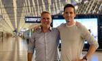"""Hai phóng viên Úc vội vã rời đi khi bị Trung Quốc """"sờ gáy"""""""