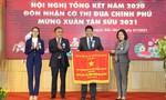 Tập đoàn Quốc tế Phượng Hoàng đón nhận Cờ thi đua của Chính phủ