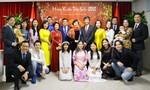 Người Việt khắp nơi hướng về quê hương dịp Tết cổ truyền