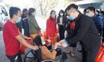 Chuyến xe 0 đồng chở 300 bệnh nhân khó khăn về quê ăn Tết