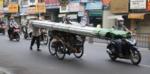 """CSGT Công an TPHCM ra quân xử phạt xe """"mù"""", xe cà tàng"""