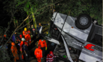 Indonesia: Xe buýt chở học sinh lao xuống vực, 27 người chết