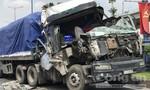 Cabin xe đầu kéo nát vụn sau cú húc đuôi container trên xa lộ Hà Nội