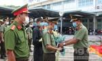 Tiễn CBCS Công an tình nguyện lên biên giới chống dịch Covid-19