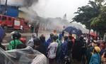 Thừa Thiên Huế: Cháy dữ dội cơ sở kinh doanh phế liệu