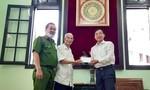 Cụ ông 99 tuổi ủng hộ Quỹ vắc xin COVID-19 bằng tiền góp giỗ