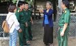 Nữ già làng dẫn dắt người dân bước qua hủ tục man rợ