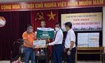 Tặng 25 ngàn sản phẩm sữa cho lực lượng chống dịch ở Hà Tĩnh