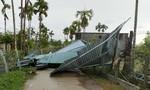 Quảng Ngãi: Mưa giông lốc nhiều nhà tốc mái, sét đánh chết 4 con bò