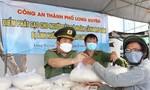 Công an An Giang vận động 36 tấn gạo tặng người dân khó khăn mùa dịch