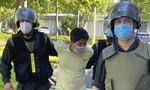 Mạnh tay xử lý người vượt trạm kiểm dịch, chống người thi hành công vụ