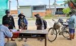 4 mẹ con đạp xe từ Đồng Nai về Nghệ An đã được hỗ trợ tiền đi tàu về quê