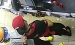TPHCM: Truy bắt tên cướp kề dao vào cổ nhân viên cửa hàng tiện lợi