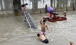 Hàng ngàn người phải sơ tán vì lũ lụt ở Philippines