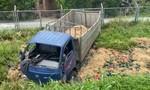 Xe tải chở dưa hấu lao khỏi đường cao tốc TPHCM-Trung Lương