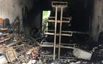 Hai vợ chồng tử vong trong đám cháy trên cơ thể có nhiều vết đâm