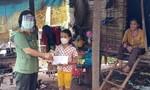 Công an tỉnh Bình Phước chia sẻ với các hộ nghèo và lực lượng tuyến đầu