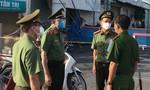 TPHCM: Công an xã Hưng Long dốc sức giúp dân trong đại dịch
