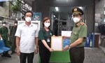 Công an TPHCM tiếp tục tặng tủ thuốc 0 đồng cho người dân quận 8