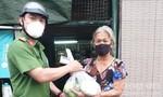 Thêm 1.000 phần rau củ được lực lượng Công an tặng bà con quận 8