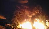 Clip Cháy lớn xưởng thu mua lốp trong đêm ở Chư Sê