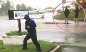 Phóng viên Mỹ bị chỉ trích vì 'làm quá' khi đưa tin bão Florence