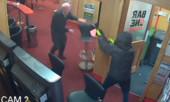 Cụ ông 84 tuổi tay không chống lại 3 tên cướp có vũ trang