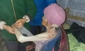 Con trai cùng con dâu nhốt mẹ già 92 tuổi trong chuồng lợn