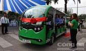 Tham quan thành phố bằng xe buýt điện với giá 12.000 đồng