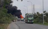 Xe đầu kéo bốc cháy trên đường, 2 người thoát chết
