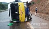 Lật xe buýt khiến nhiều người bị thương nặng
