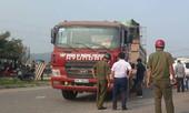 Va chạm với xe tải, thai phụ và con trai 4 tuổi tử vong thương tâm