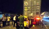 """""""Dồn toa"""" vào đuôi xe container, tài xế taxi tử vong tại chỗ"""