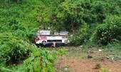 Xe khách lao vực sâu, 4 người chết, 6 người bị thương