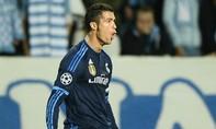 """Ronaldo viết sử cùng """"Kền kền trắng"""""""