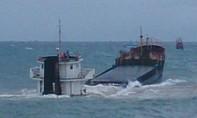 Cứu 10 thuyền viên trên tàu hàng bị chìm