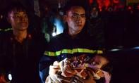 Cháy lớn ở khu đô thị Xa La, nhiều nạn nhân đang bị kẹt trên cao