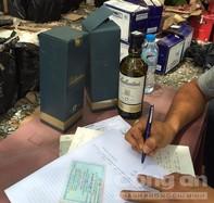 Bắt giữ số lượng lớn rượu ngoại trái phép